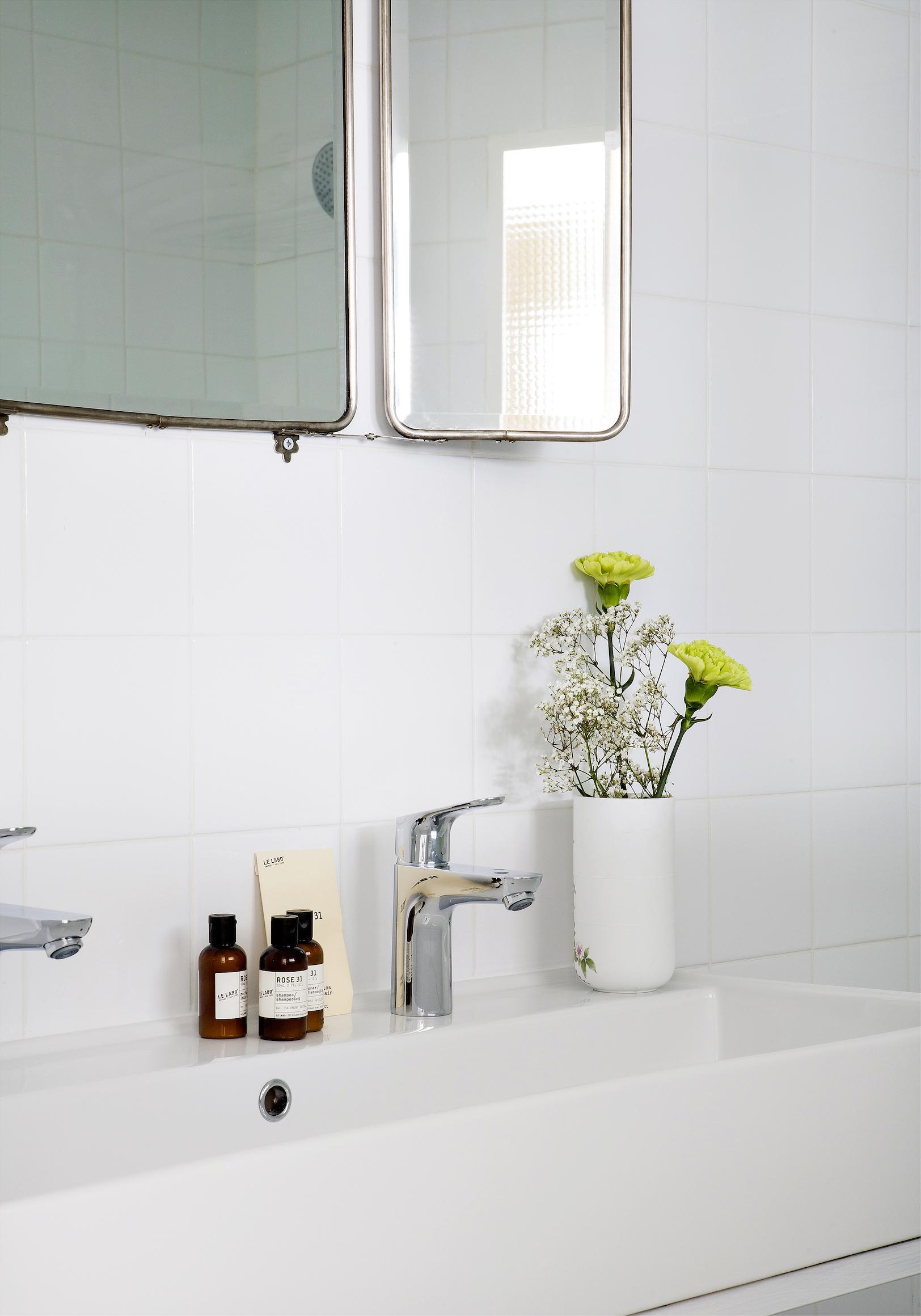 l h tel henriette carton magazine. Black Bedroom Furniture Sets. Home Design Ideas
